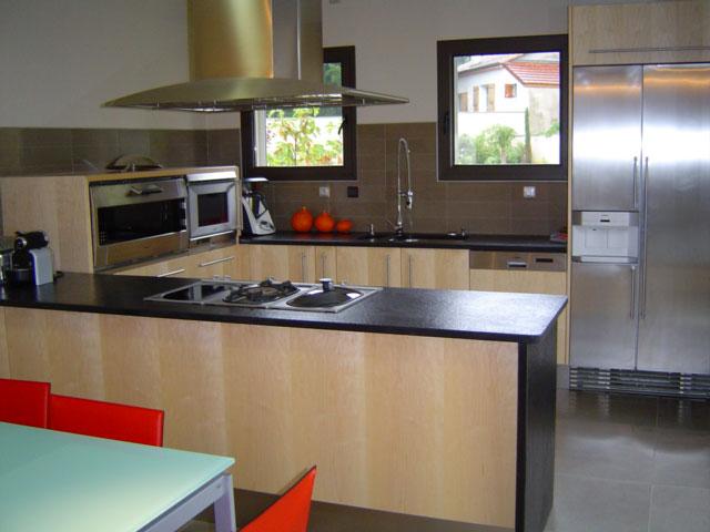 cuisine 26 un grand choix de cuisines mobalpa et sur mesure avec la menuiserie vignon. Black Bedroom Furniture Sets. Home Design Ideas