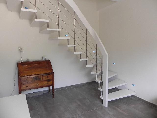 escalier suspendu design escalier contemporain mod le nova. Black Bedroom Furniture Sets. Home Design Ideas