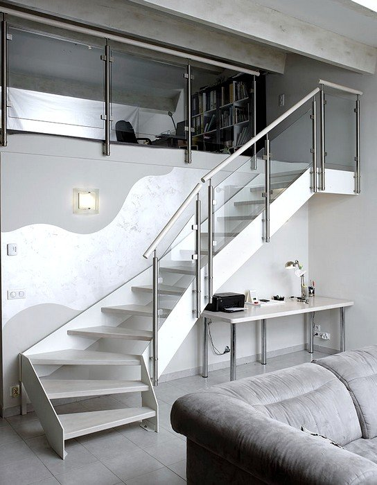 escalier design m tal et bois peint en blanc garde corps verre inox. Black Bedroom Furniture Sets. Home Design Ideas