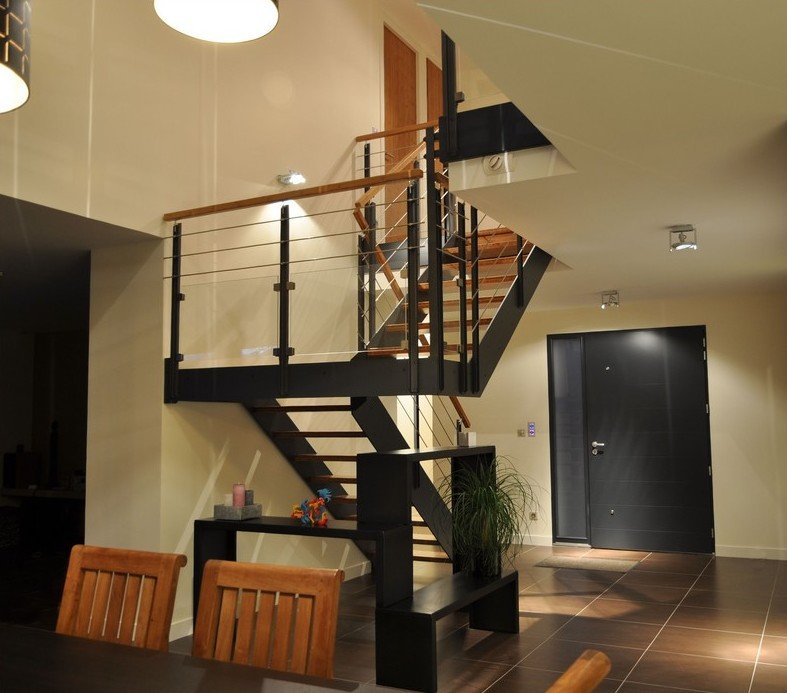 escalier loft m tallique avec palier et garde corps verre. Black Bedroom Furniture Sets. Home Design Ideas