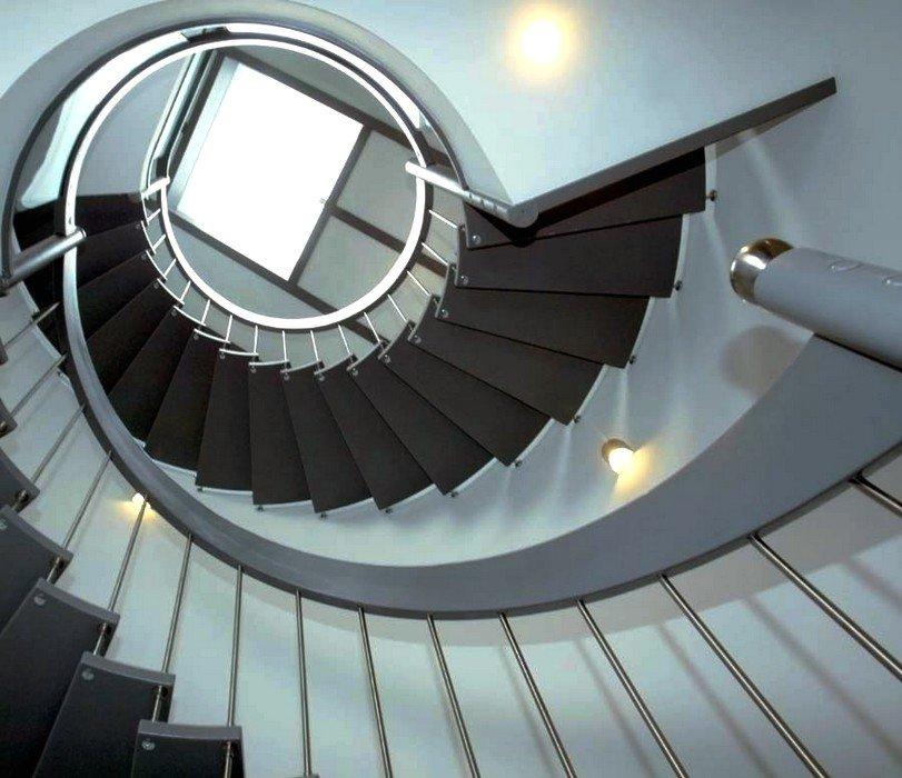 escaliers spirale main courante escalier courbe poteau. Black Bedroom Furniture Sets. Home Design Ideas
